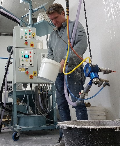 spraying with chopped fibres - thin layer - easy spraying